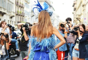 anna-dello-russo-photographer-back